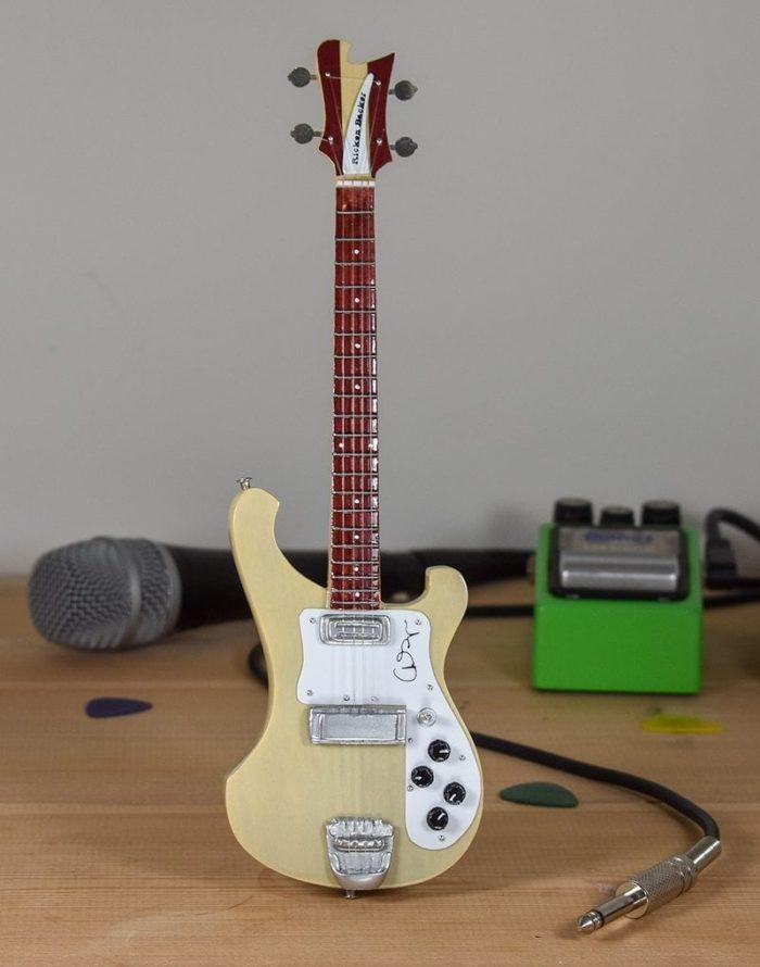 Yes, Chris Squire - Rickenbacker Bass