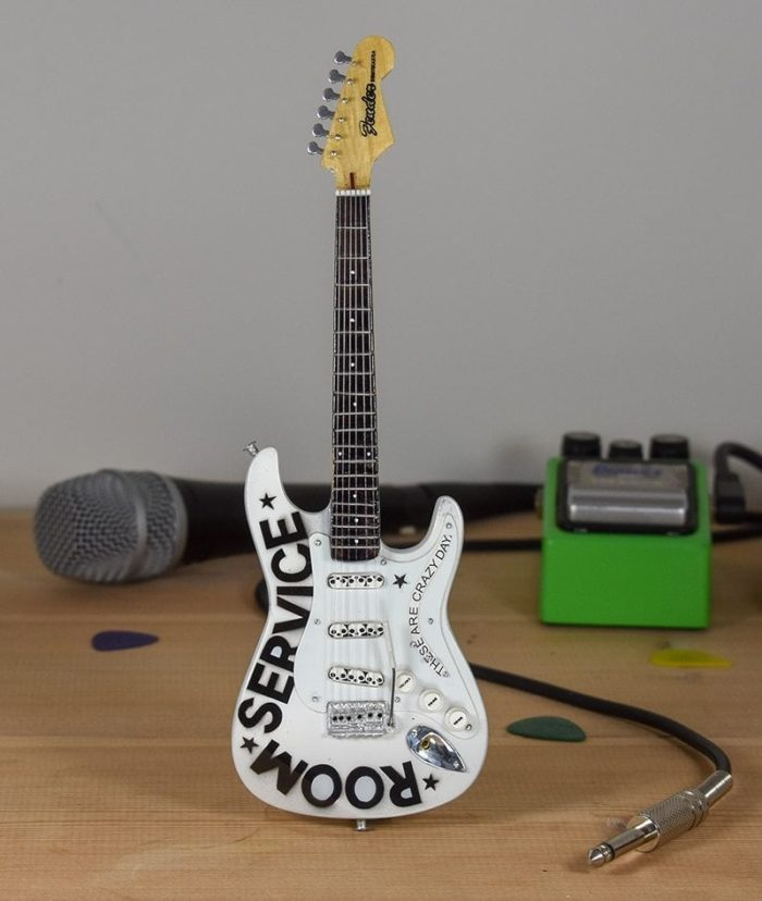Bryan Adams - Room Service - Fender Stratocaster