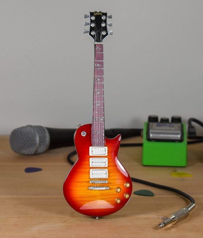 Kiss, Ace Frehley - Gibson Les Paul