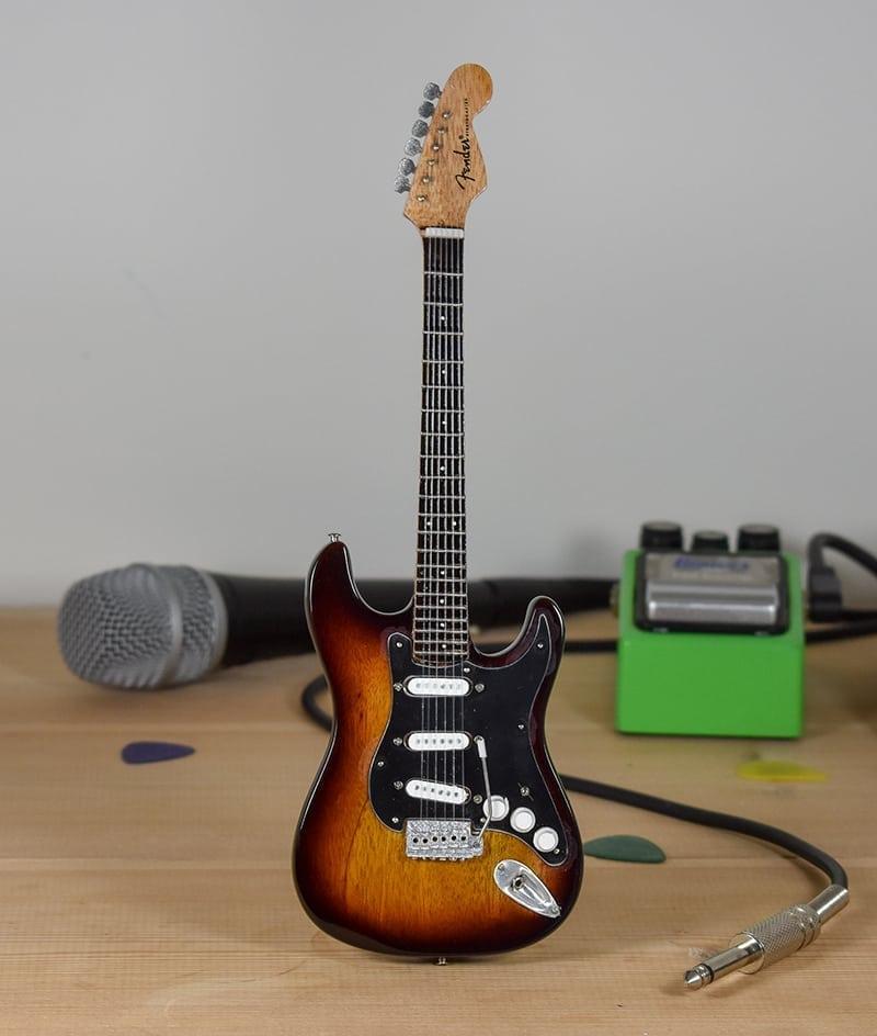 Fender Stratocaster - Sunburst