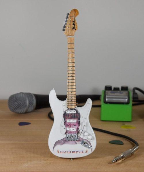 David Bowie, Ziggy Stardust - Fender Stratocaster