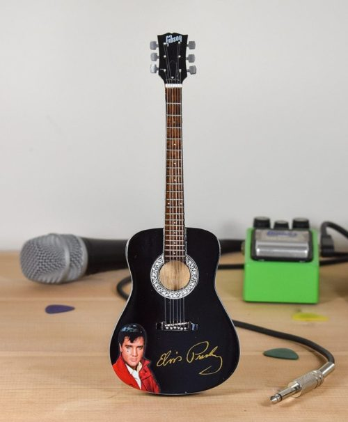 Elvis Presley - Acoustic with Signature (black)