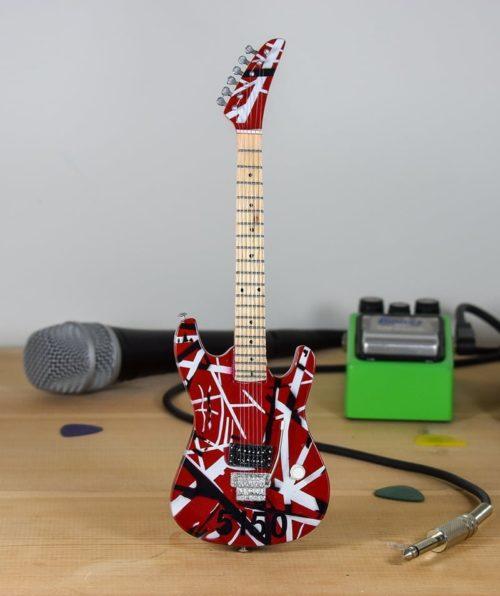 Van Halen, Eddie Van Halen - Kramer Baretta