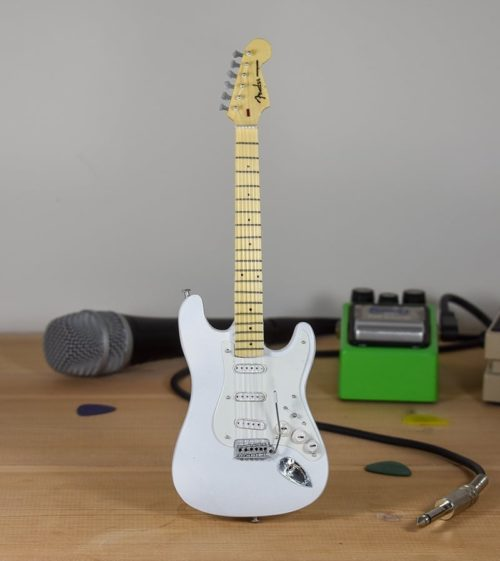 Fender Stratocaster - (white)