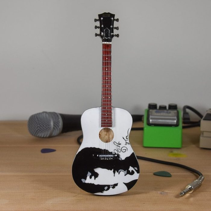 Bob Dylan - Acoustic Signature