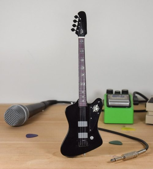 Motley Crue, Nikki Sixx - Fender Thunderbird