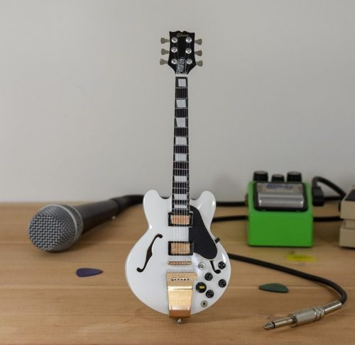 Rush, Alex Lifeson - Gibson ES355