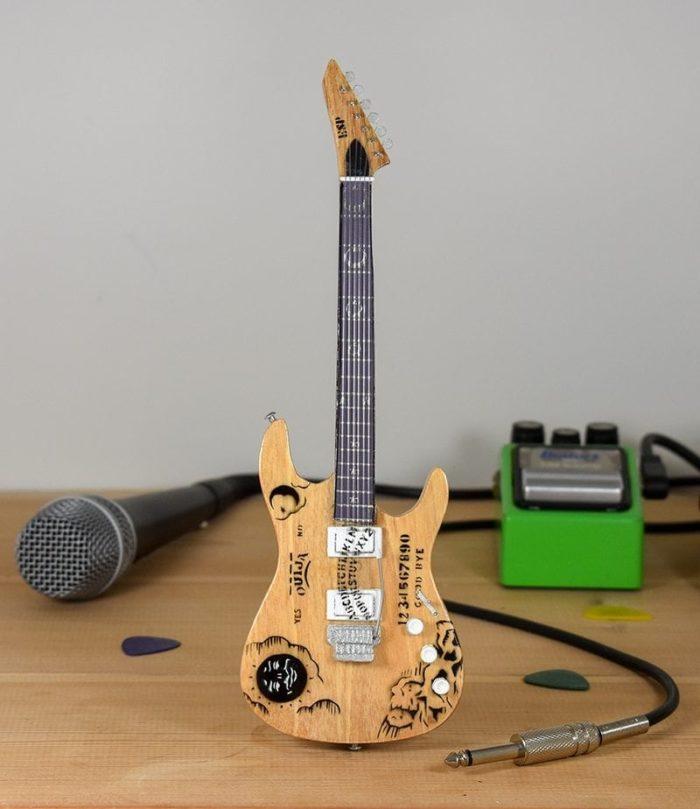 Metallica, Kirk Hammet - ESP Ouija (natural)