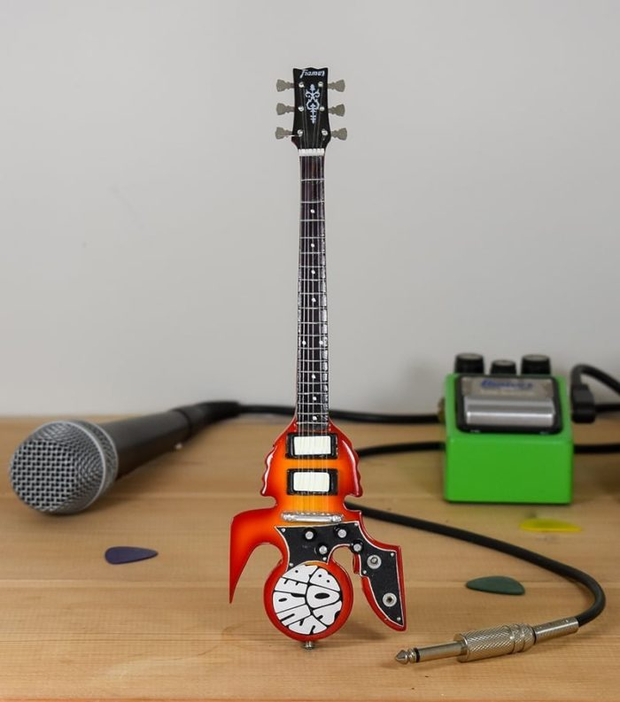 Slade, Dave Hill - Super Yob Bass