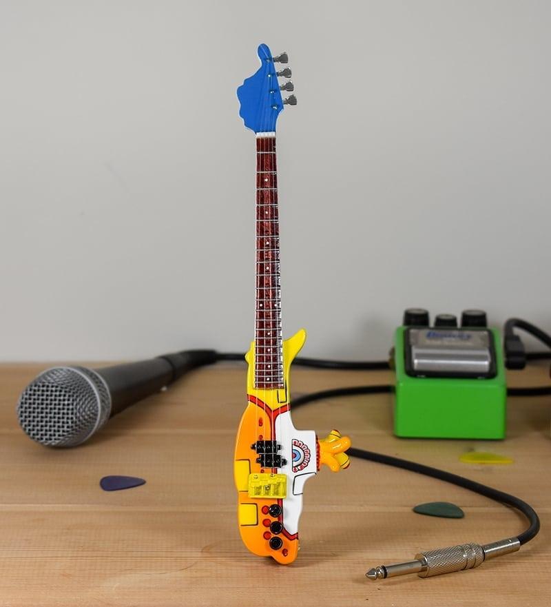 The Beatles, Yellow Submarine Tribute Guitar