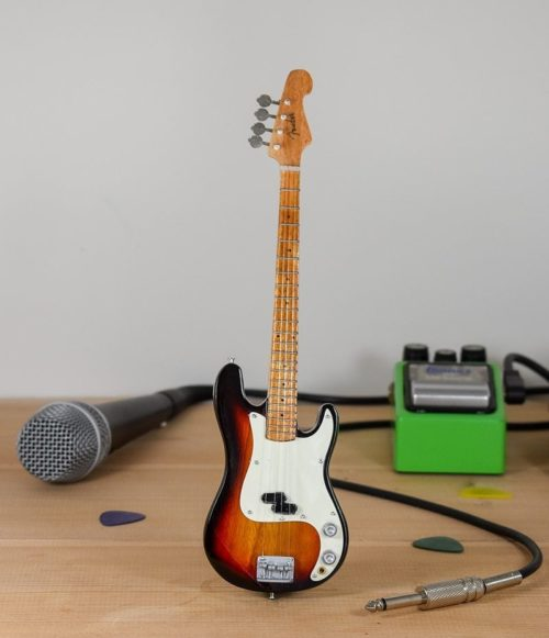 Fender Bass (sunburst)