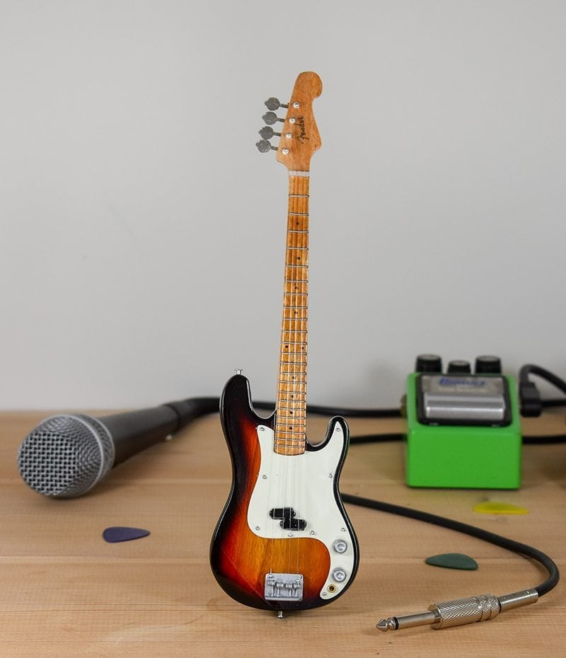 Fender Bass (sunburst)