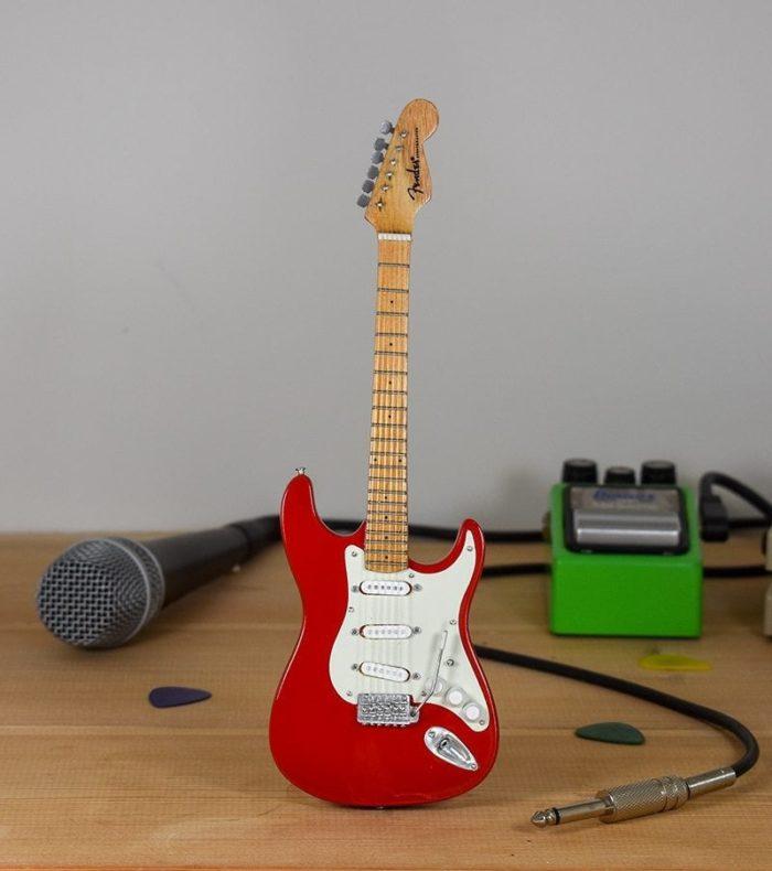 Hank Marvin - Fender Stratocaster