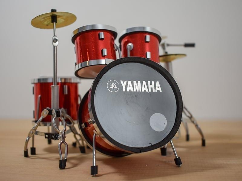 Yamaha Drum Kit (red)